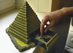 Фінансова піраміда: чи здатна держава захистити громадян від неї?
